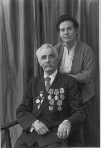 Е. С. Черненко с отцом С. Ф. Черненко