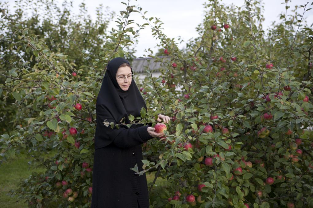 В саду Вознесенского Оршина монастыря